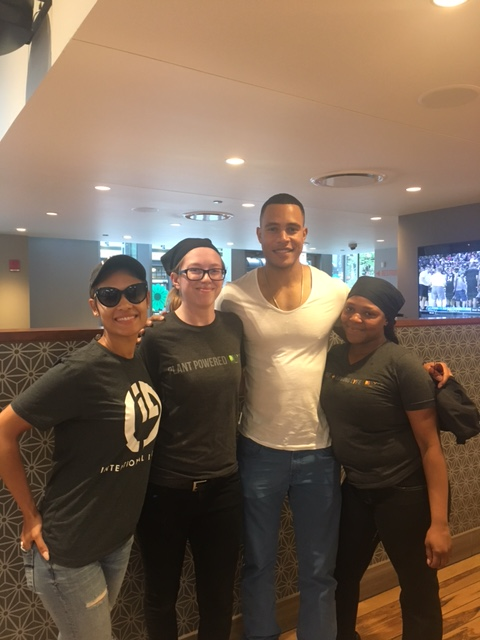 Empire Stars Enjoy Lunch At Chicago S Upscale Casual Hot Spot Lyfe
