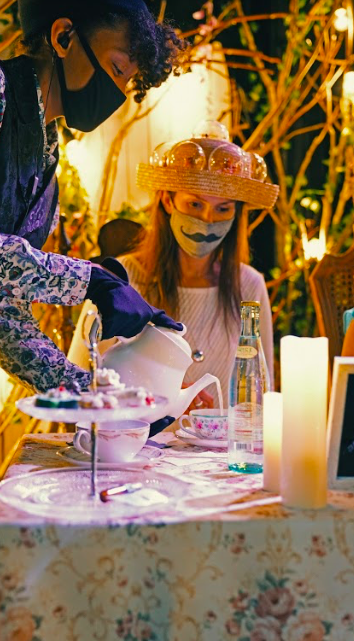 Enjoy the MAD HATTER'S (GIN &) TEA PARTY, A Pop-Up Immersive Cocktail Experience